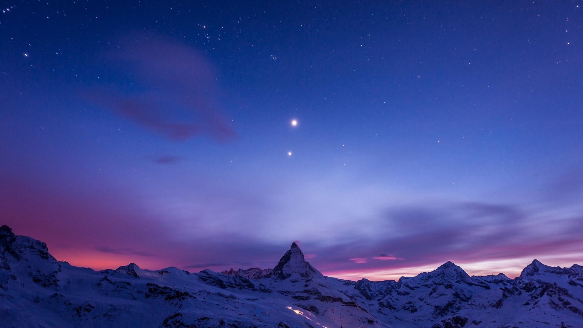 Bạn yêu thích ban đêm, thích đi dạo ngoài trời vào buổi tối? Vậy thì không thể nào bỏ qua khung cảnh đẹp tuyệt vời mà đêm tối mang lại cho con ...