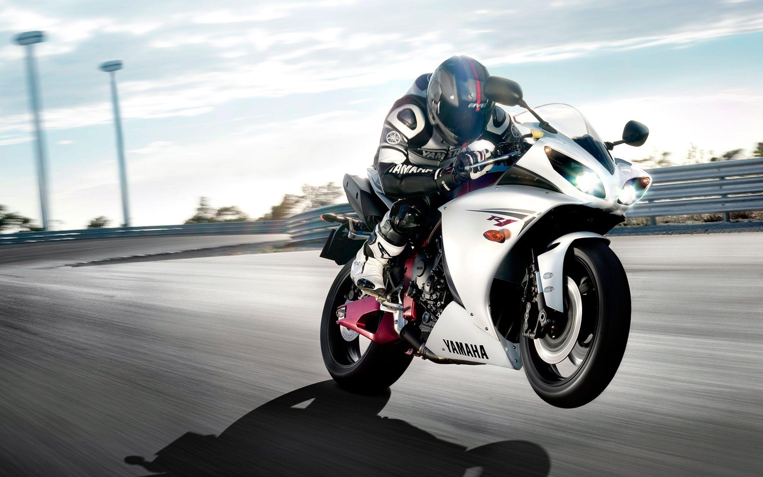 hinh nen sieu xe moto 1