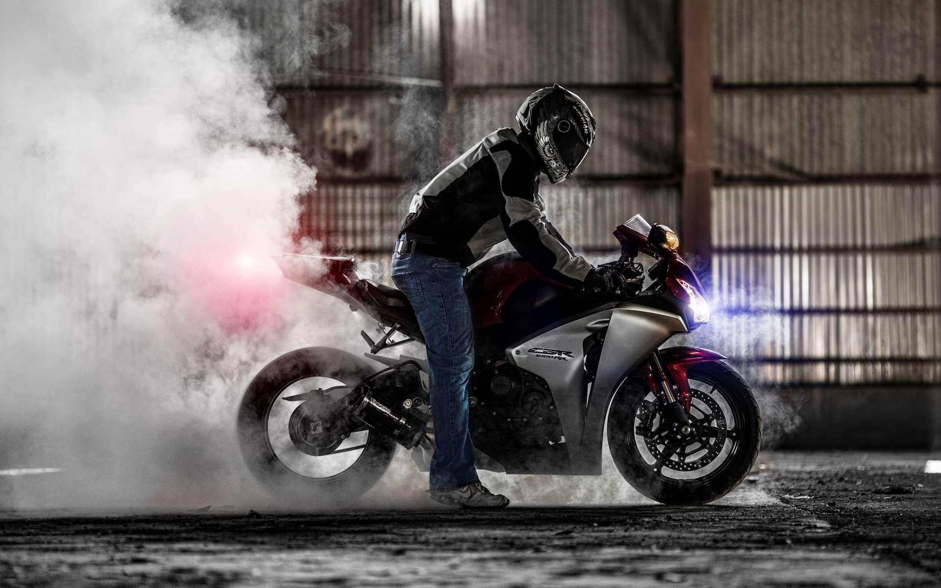 hinh nen sieu xe moto 15