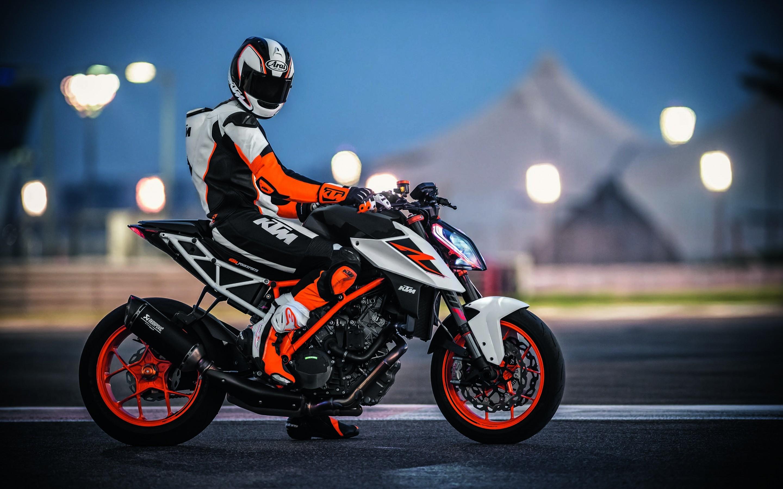 hinh nen sieu xe moto 17