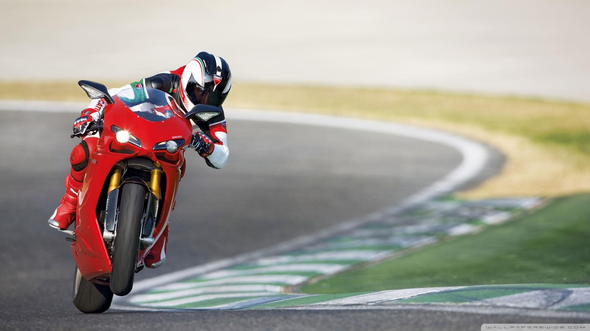 hinh nen sieu xe moto 33