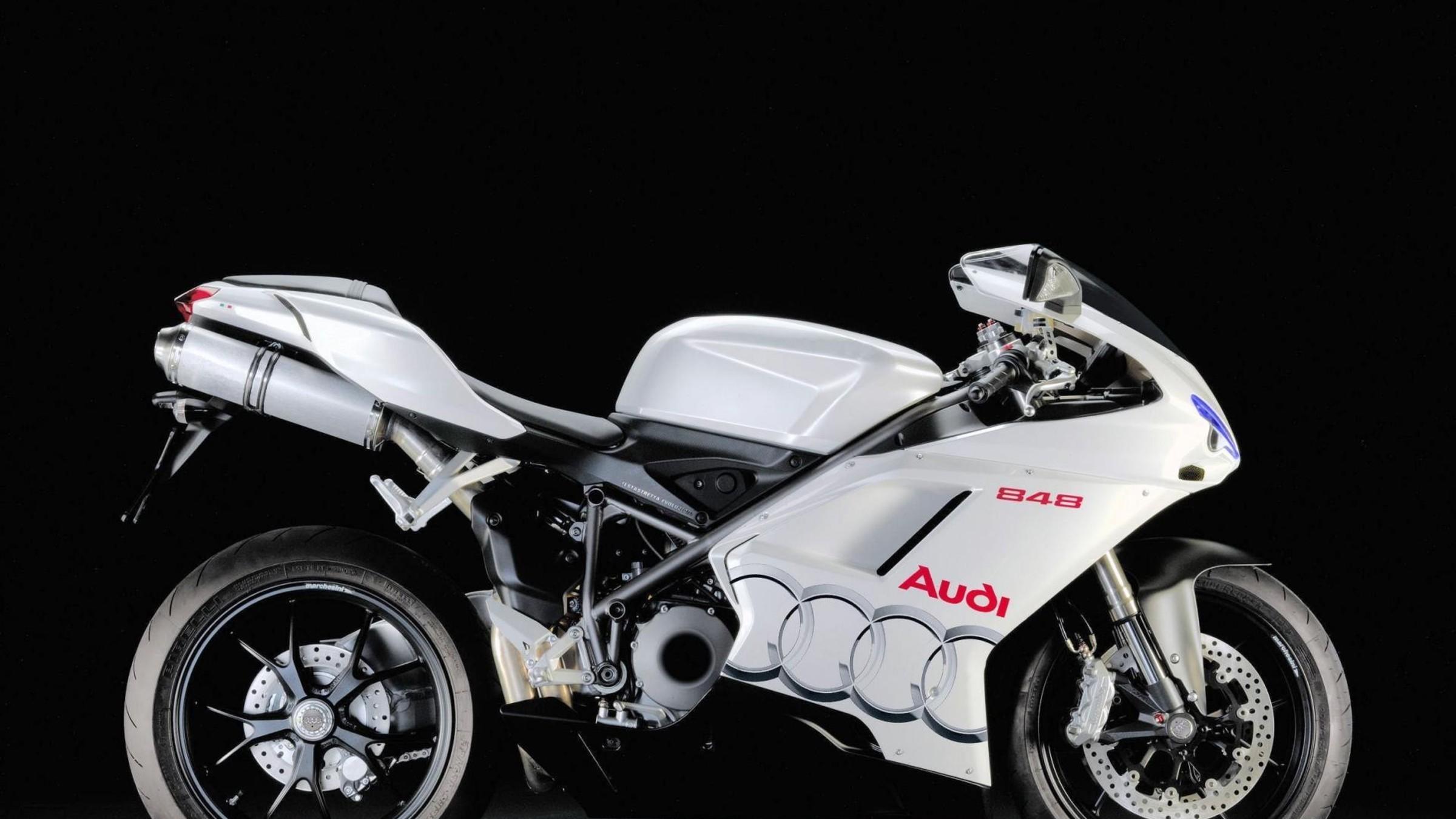hinh nen sieu xe moto 49