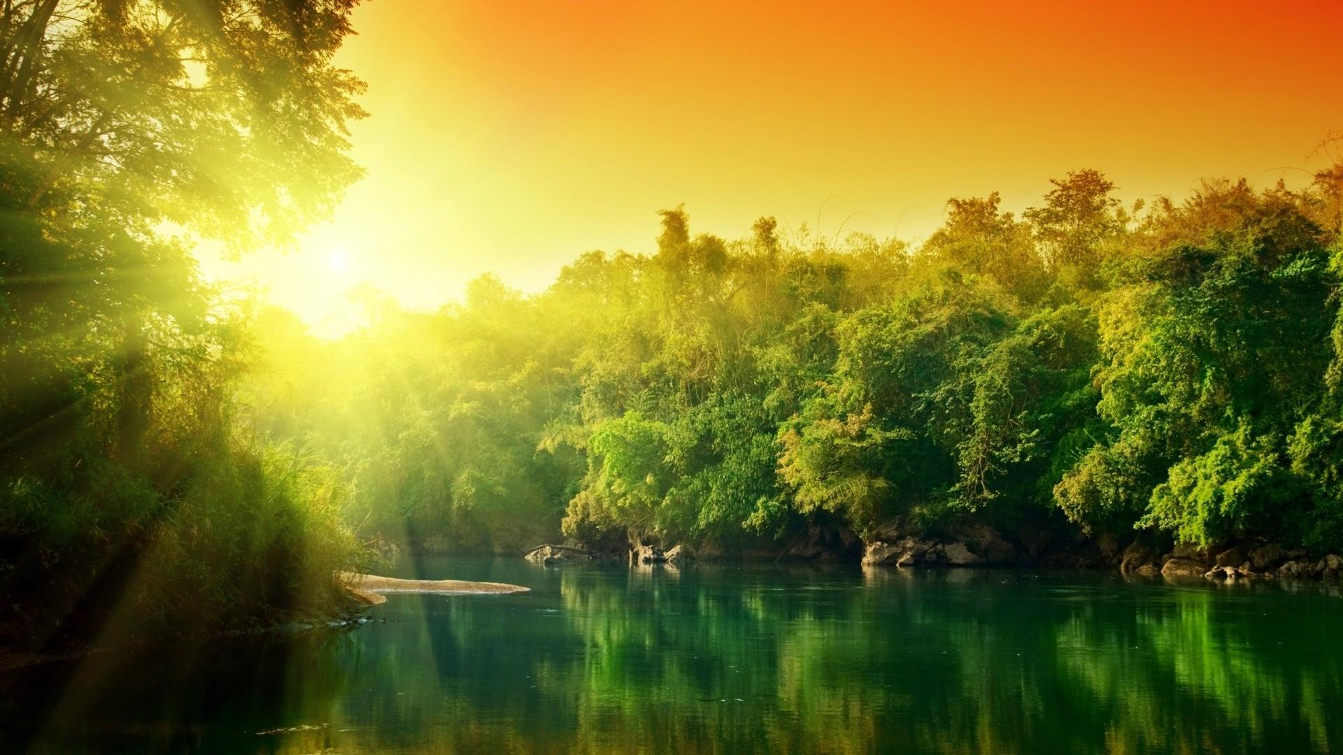 Thiên nhiên đa dạng và phong phú vô cùng, con người sẽ không thể nào khám phá hết vẻ đẹp của chúng.