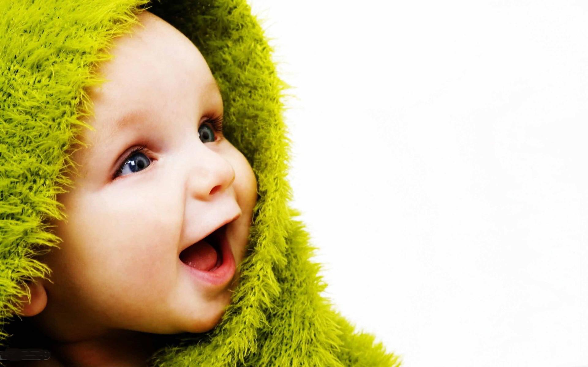 Những hình ảnh đáng yêu. ngộ nghĩnh của trẻ nhỏ luôn làm ta thấy vui vẻ và muốn ngắm nhìn mãi không thôi. Ảnh nền em bé với những hình ảnh đẹp ...